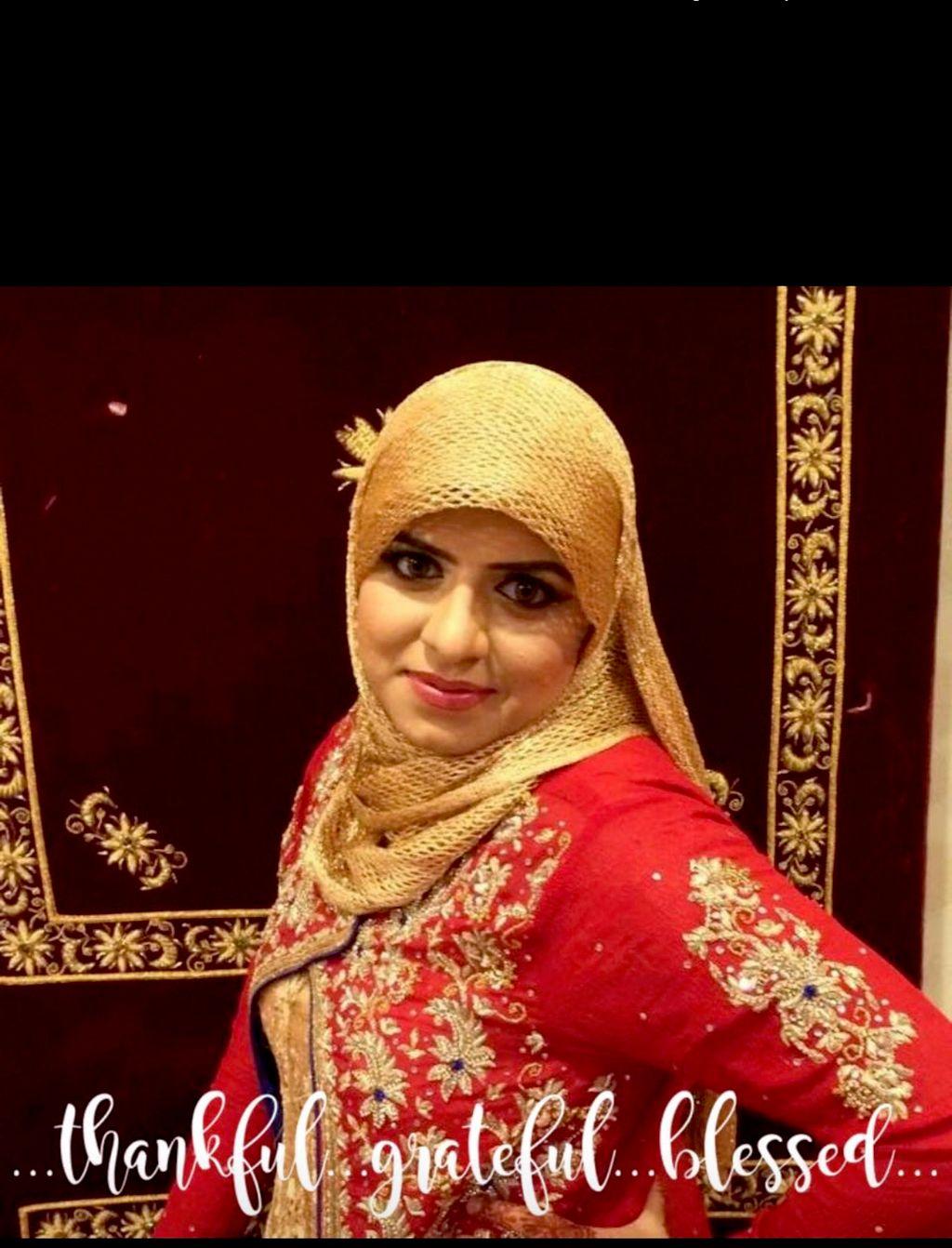 """Farah """"The Henna and makeup Artist"""""""