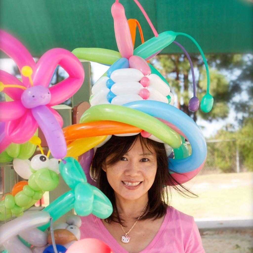 Happy twist balloons