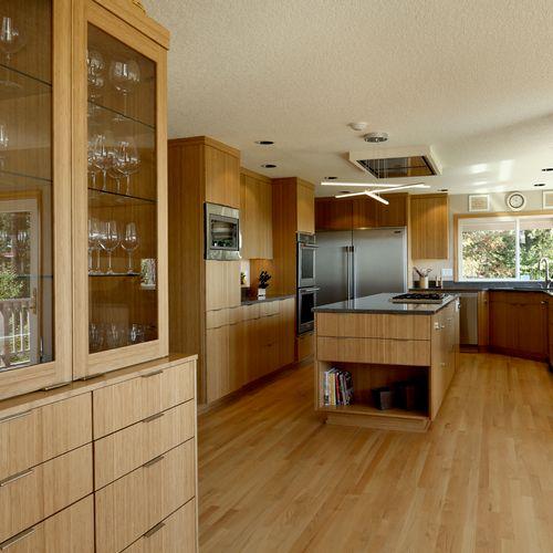 Vineyard Modern Kitchen