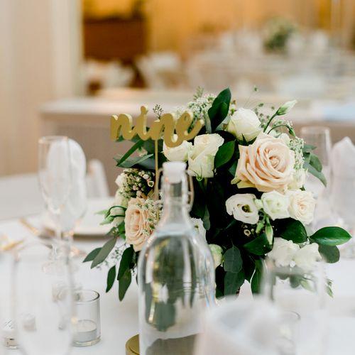 Evelisa Floral & Design Low centerpiece