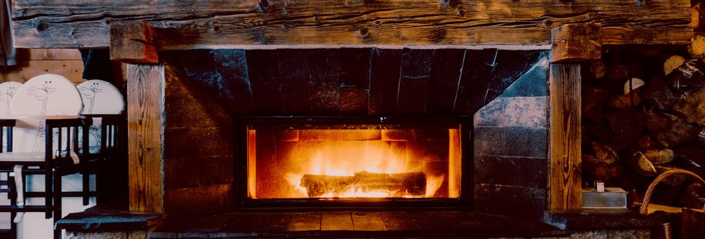 A fireplace installation professional in Pasadena, TX