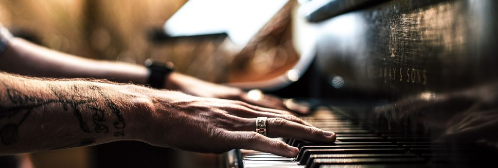 A piano lessons teacher in Denver, CO