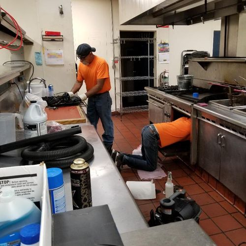 Commercial kitchen!!