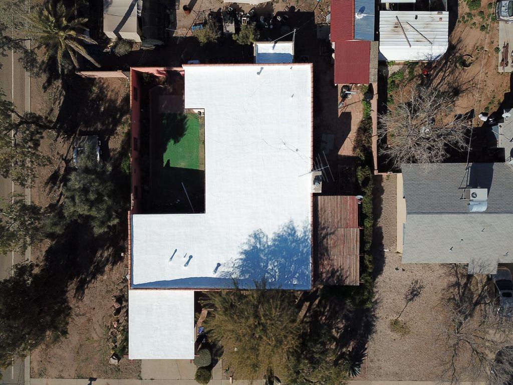 Flat roof coating
