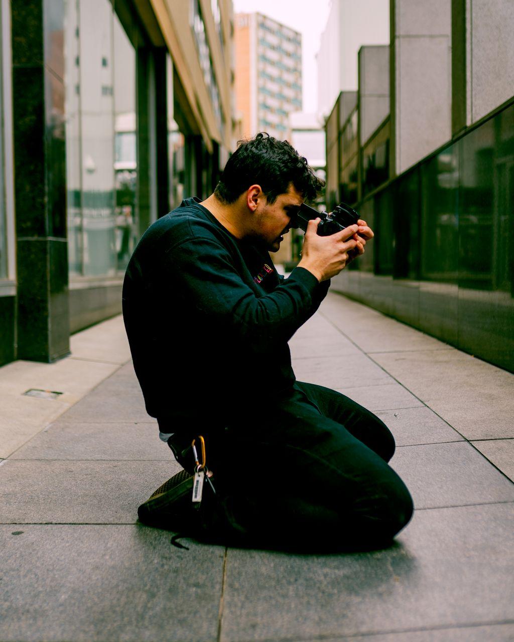 Alejandro Takes Photos