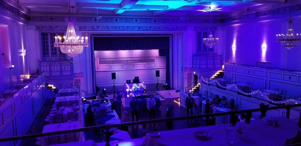 Wedding DJ and photo booth Lafiett hotel Pontiac mi