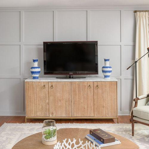 Custom carpentry and decorating in a Signal Mountain living room