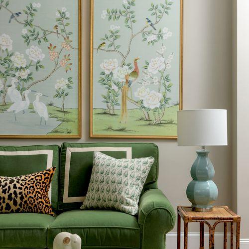 Sophisticated Living Room in Black Creek