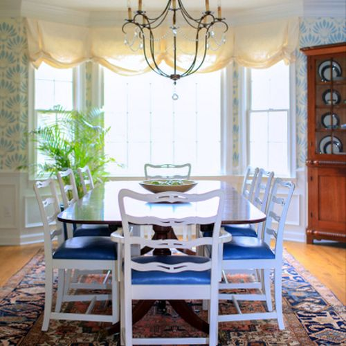 Traditional Blue and White Dining Room on Signal Mountain