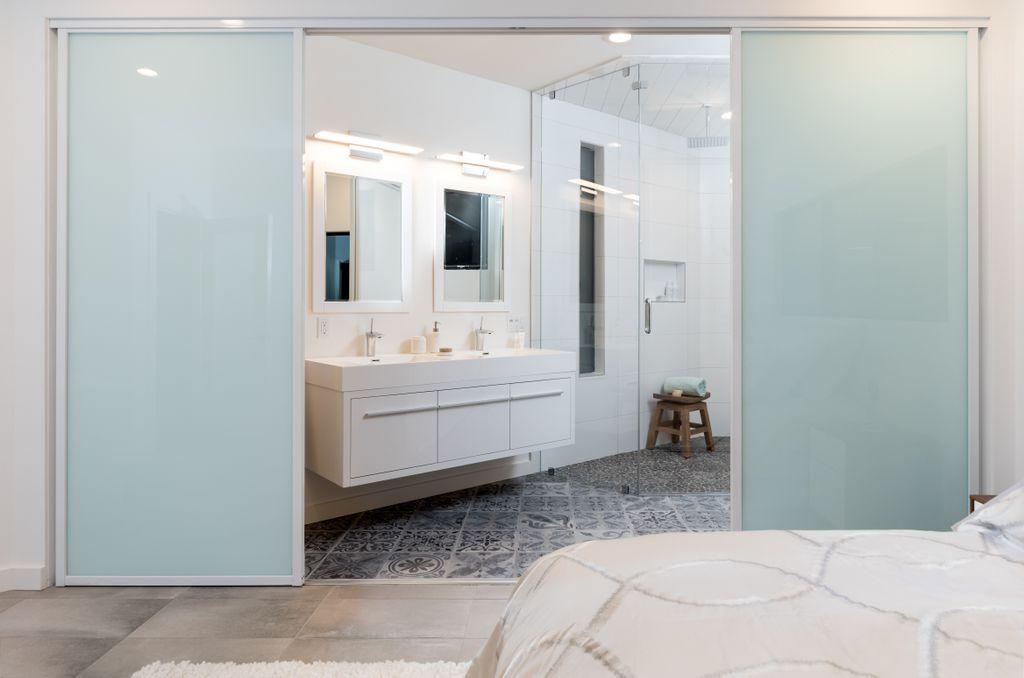 Bathroom Remodel by Treeium