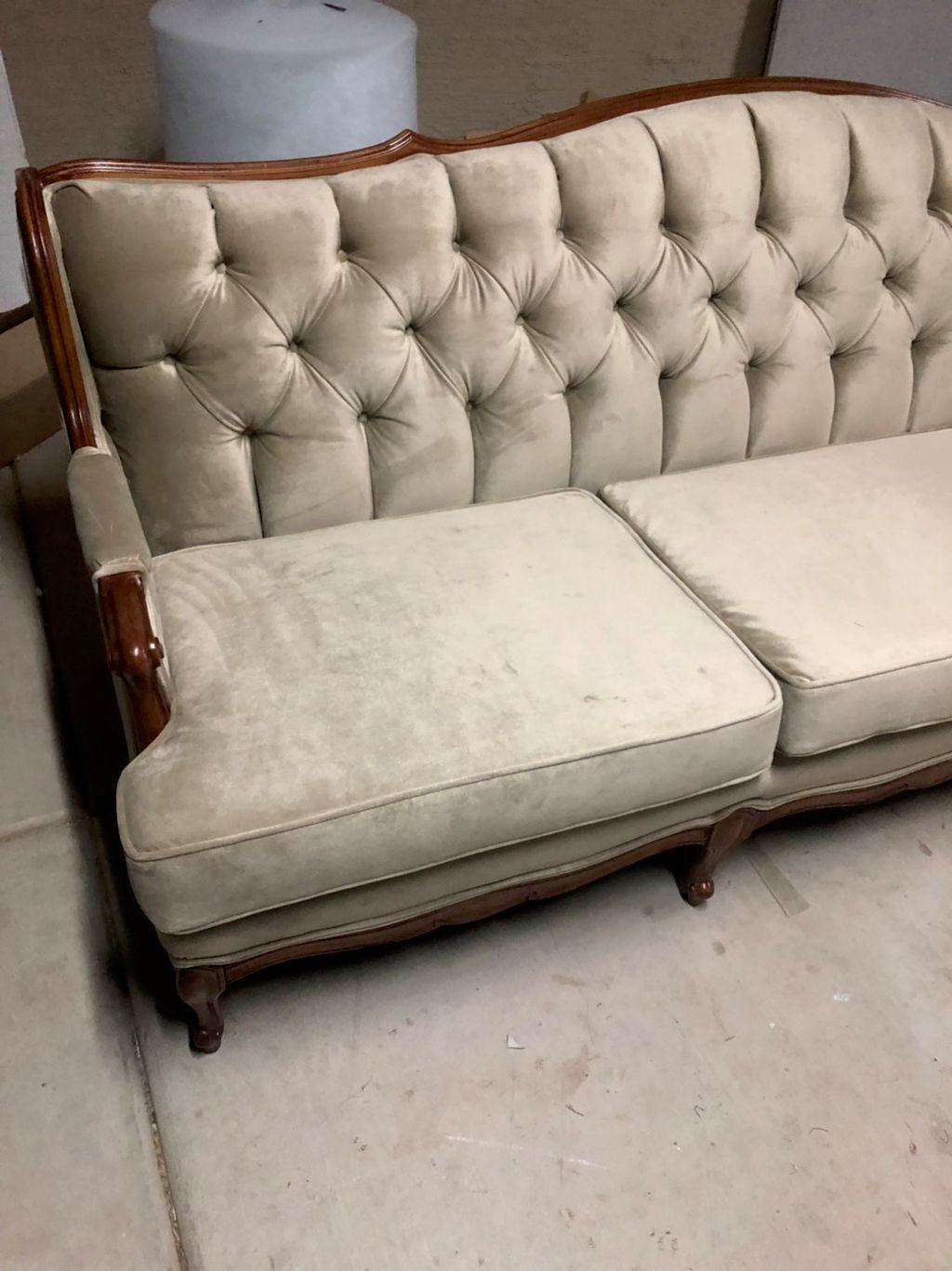 Valenzuela's Upholstery