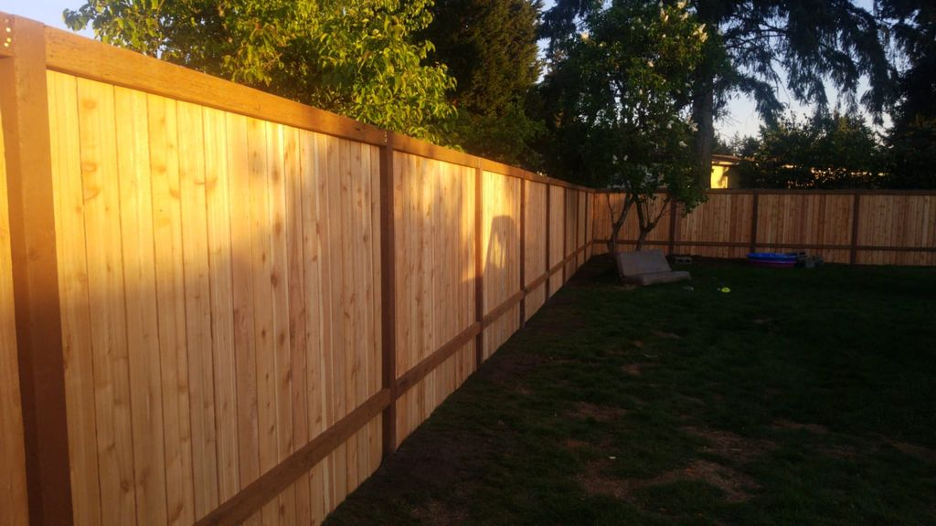 fence install 275 linear feet