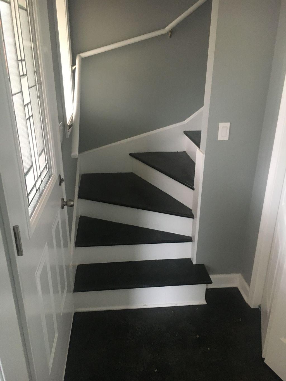 Batgrim,Kitchen,stairscace