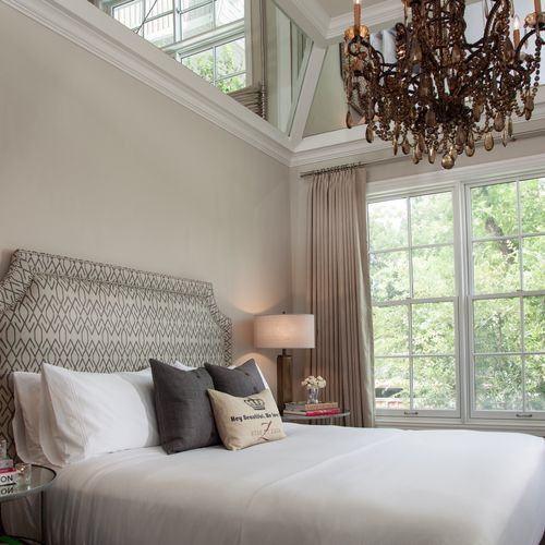 Master Suite with Mirrored Coffered Ceiling - The Bungalows Of Hotel ZAZA - Dallas