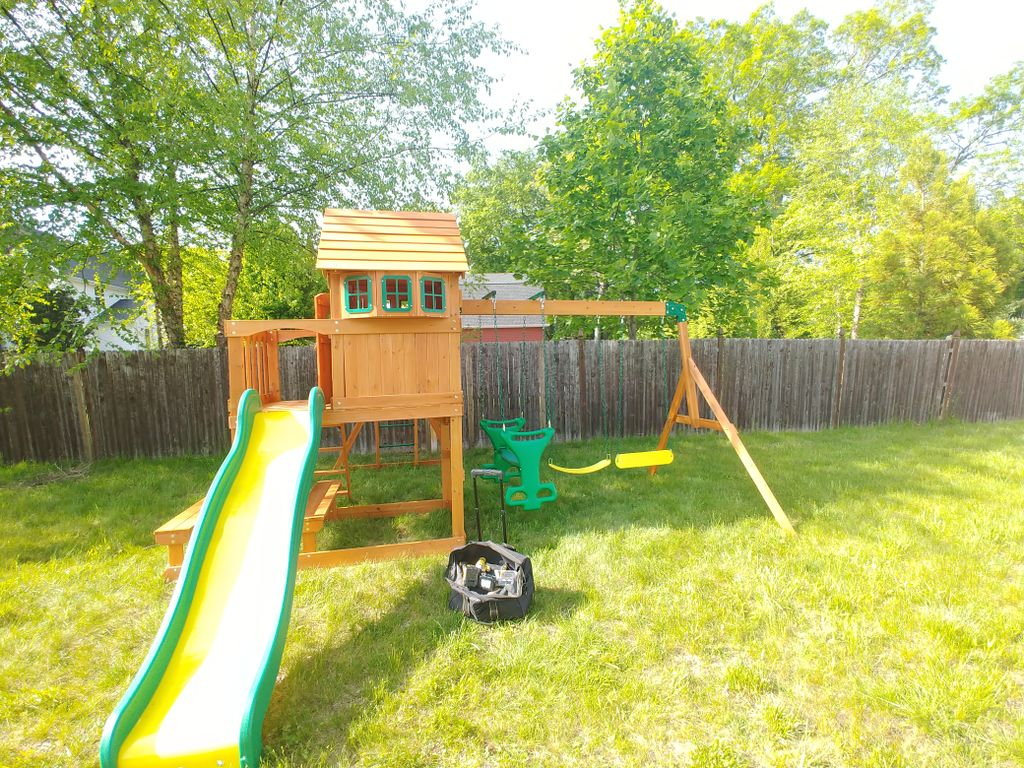 Play Equipment Construction and Assembly - Windsor 2019