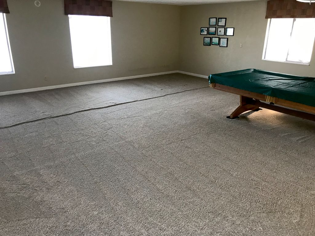 Carpet power stretching repair