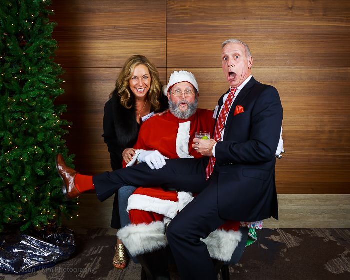 Event - FFNB's Corporate yearend party - Photo with Santa