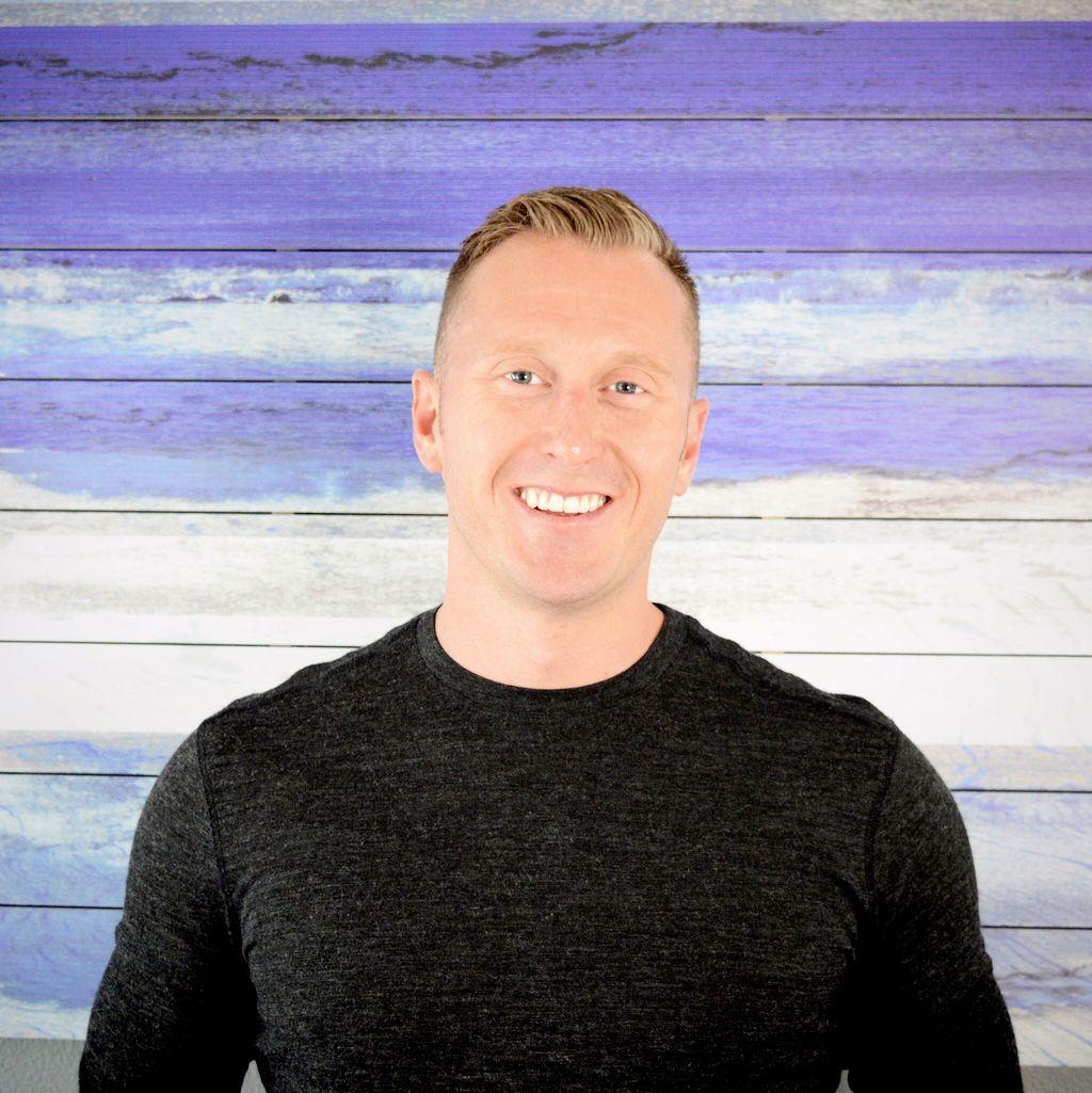 Dana Lofstrom - Essential Massage & Wellness