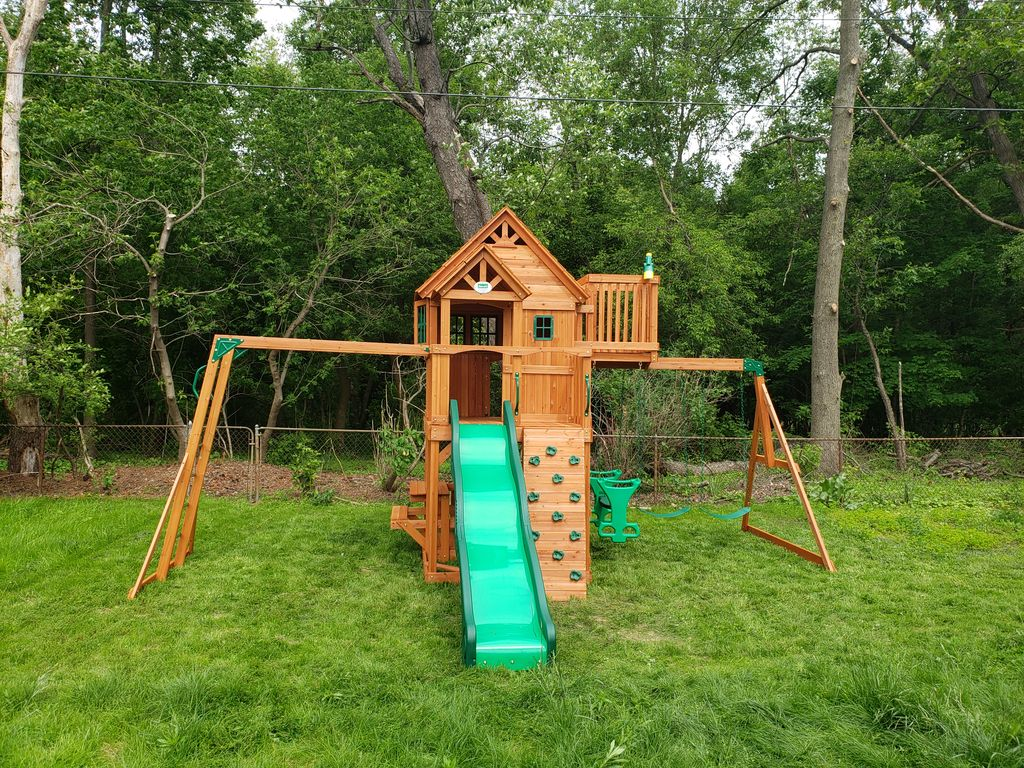 Play Equipment Construction and Assembly - Brighton 2019