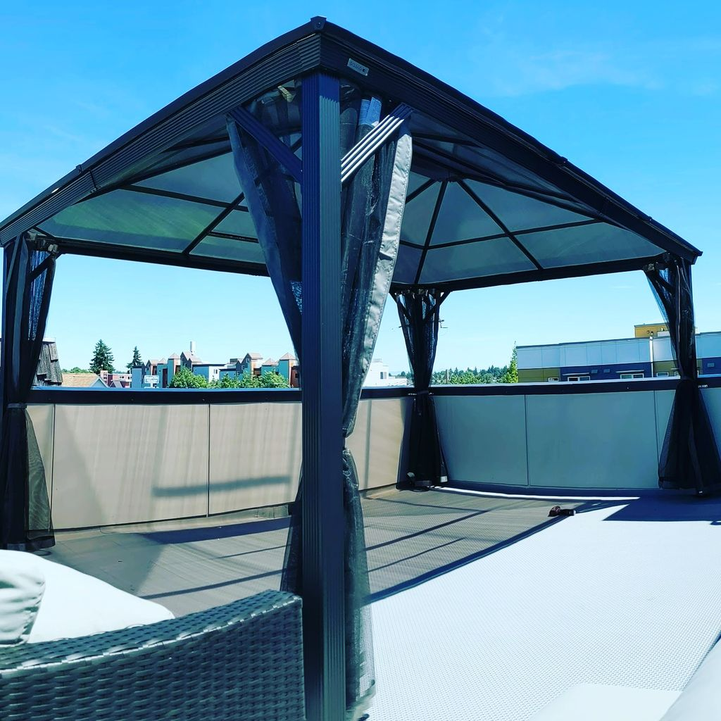 Sojag 10x12 rooftop installation