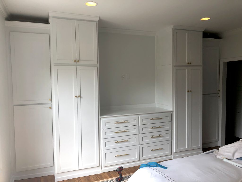 Wall-to-wall wardrobe & dresser