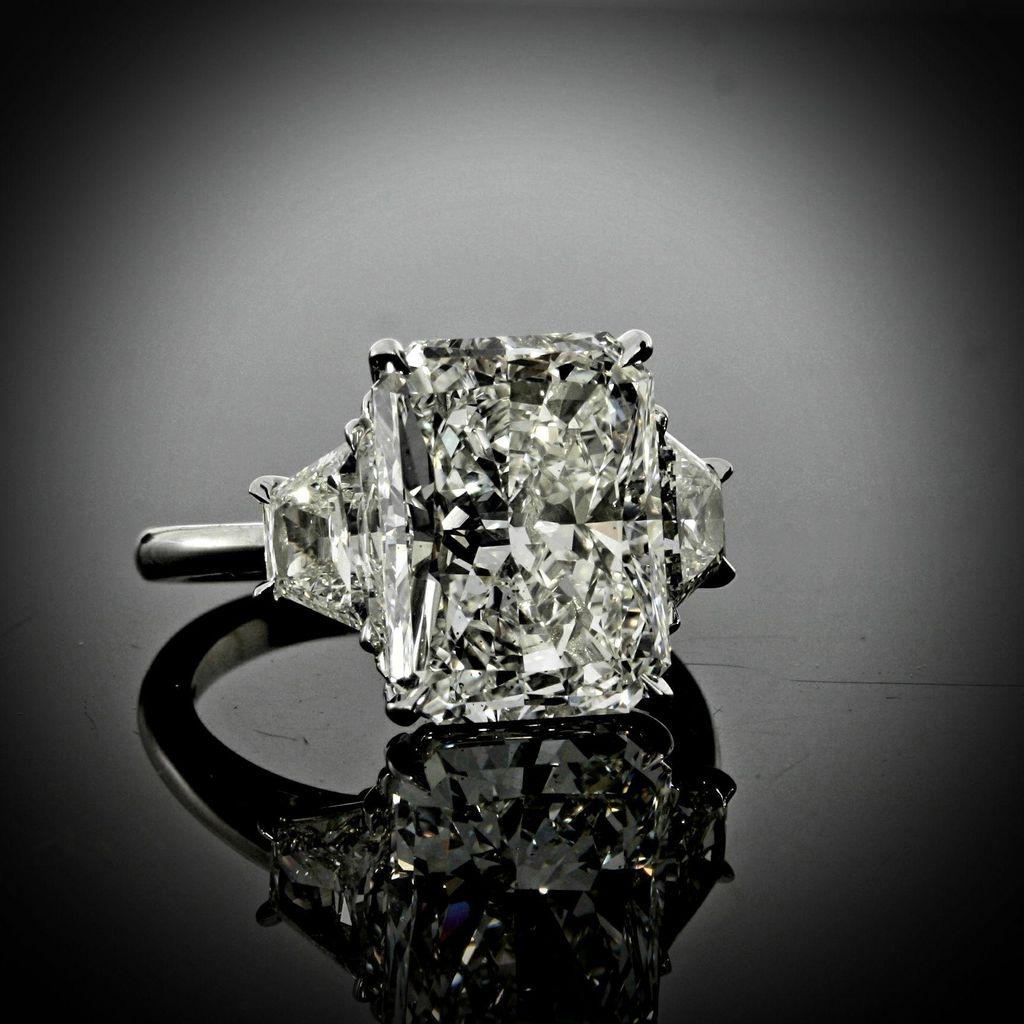 Laura Powers Jewelry Stylist, Inc.