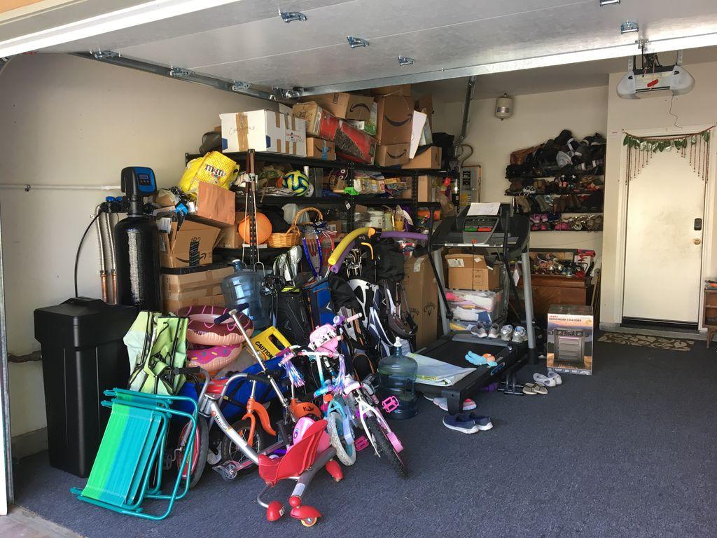 Garage de clutter and organize