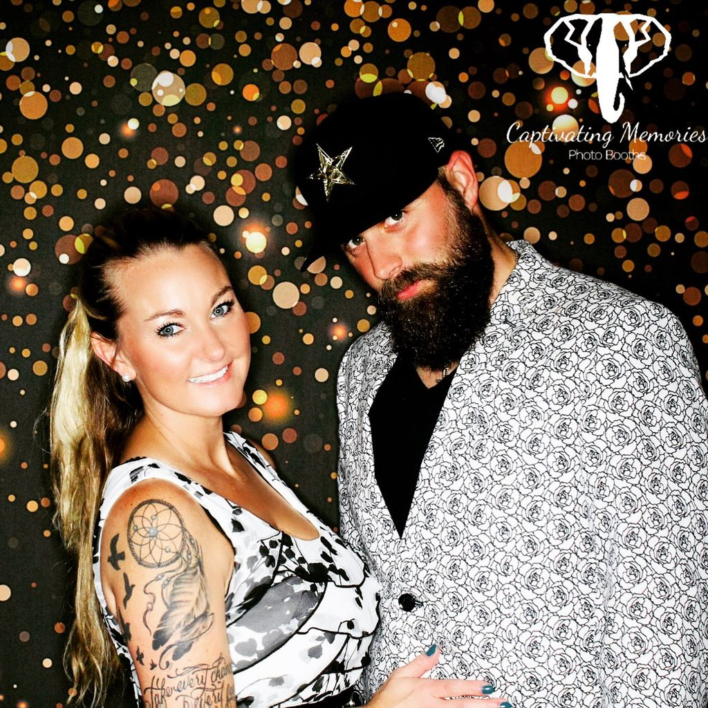 Captivating Memories Photo Booths