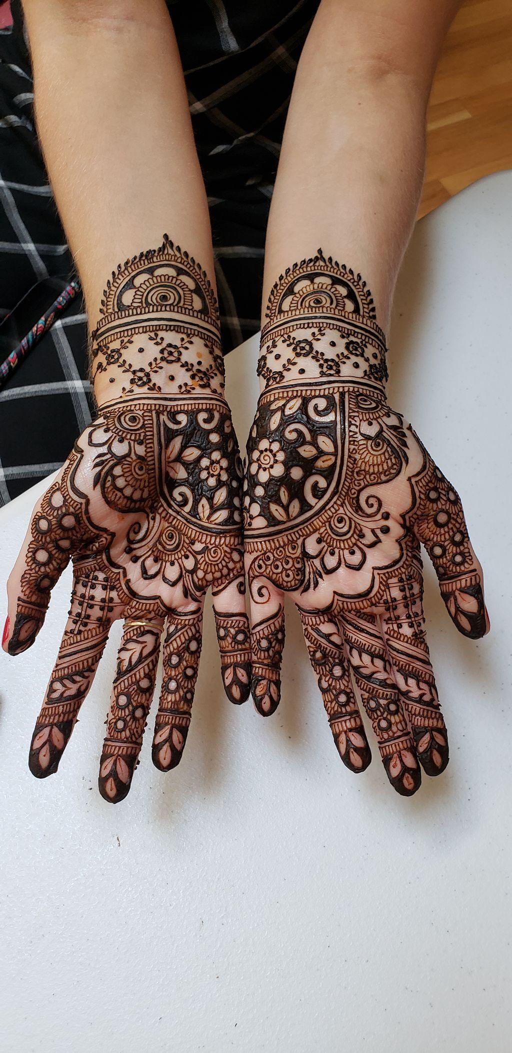 Henna Tattooing - Monroe 2019