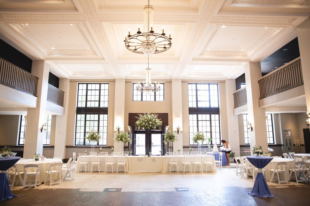 Simple and elegant historic venue wedding