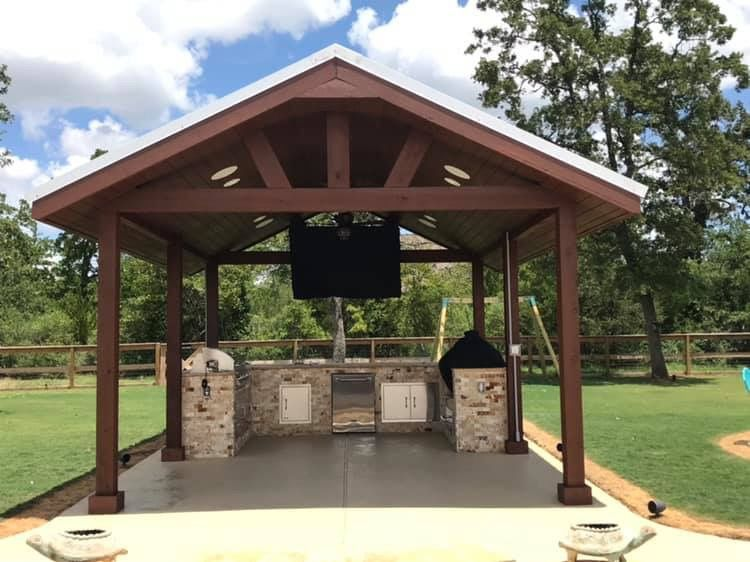 Outdoor kitchen Tv and sound system installation