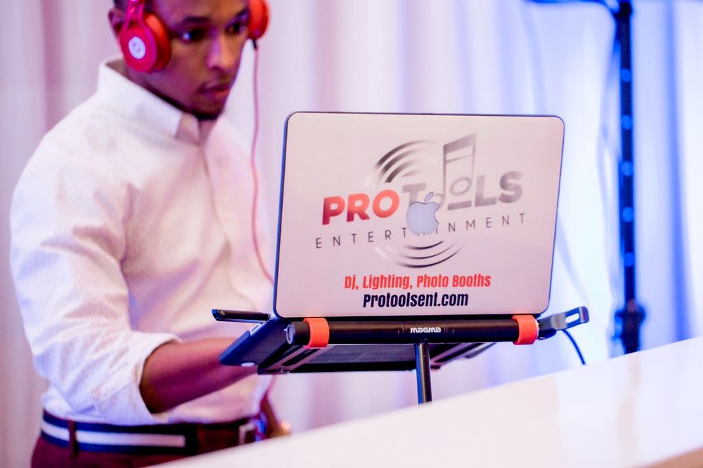 ProTools Entertainment DJ and Photo Booths