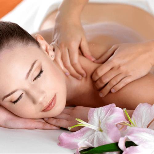 Abhyanga hot oil Massage Therapy