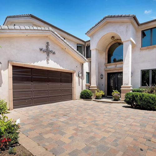 For lease in Costa Mesa 6500.00