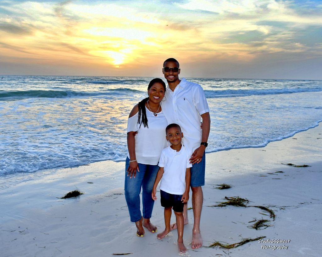 Family Portrait Simone Reid Coquina Beach 2019