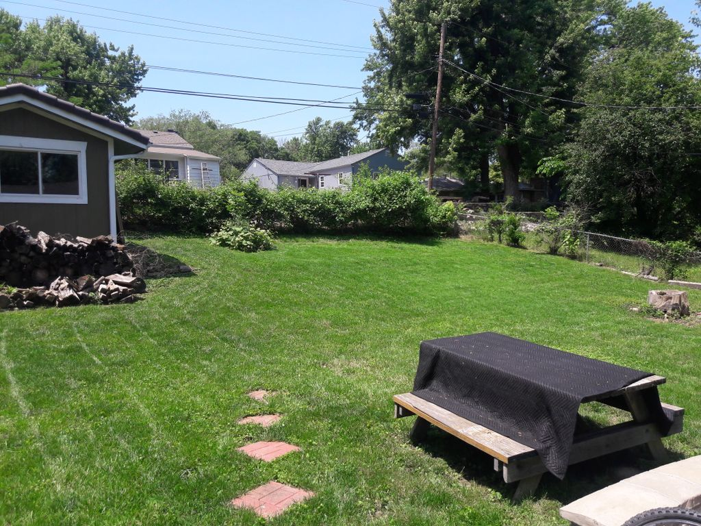 Lawn Mowing and Trimming - Kansas City 2019