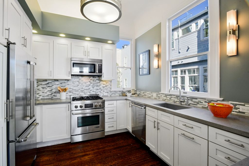 Transitional Kitchen Cabinets Shaker Style