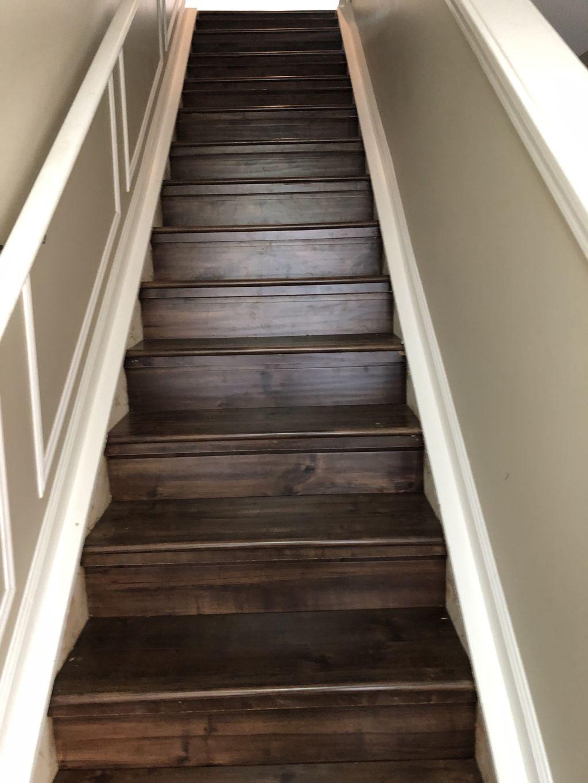 Vinyl planking stair case