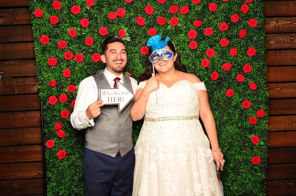 Boxwood w Flowers Wedding Photo booth Rental