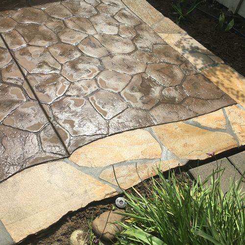 Stamped Concrete with Flagstone border