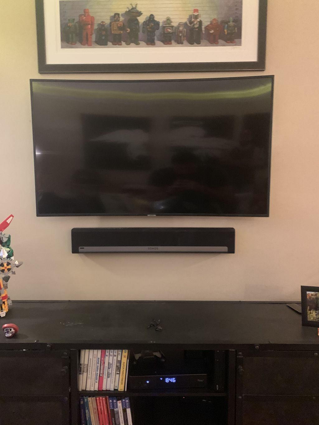 Tv Mounting with soundbar and wire concealment