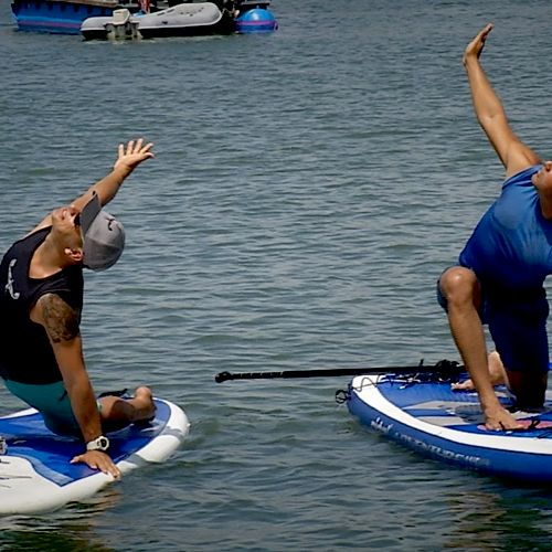 Paddle-board Yoga