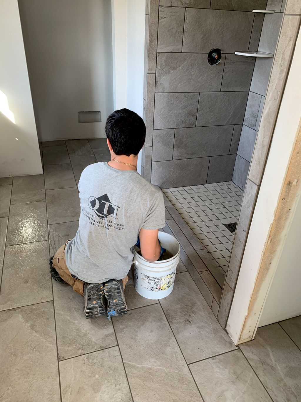 The 5 Best Tile Installers in Milwaukee, WI (with Free Estimates)