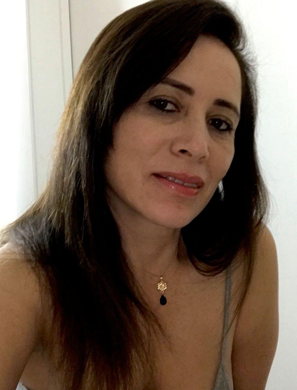 GLORIA RESTREPO