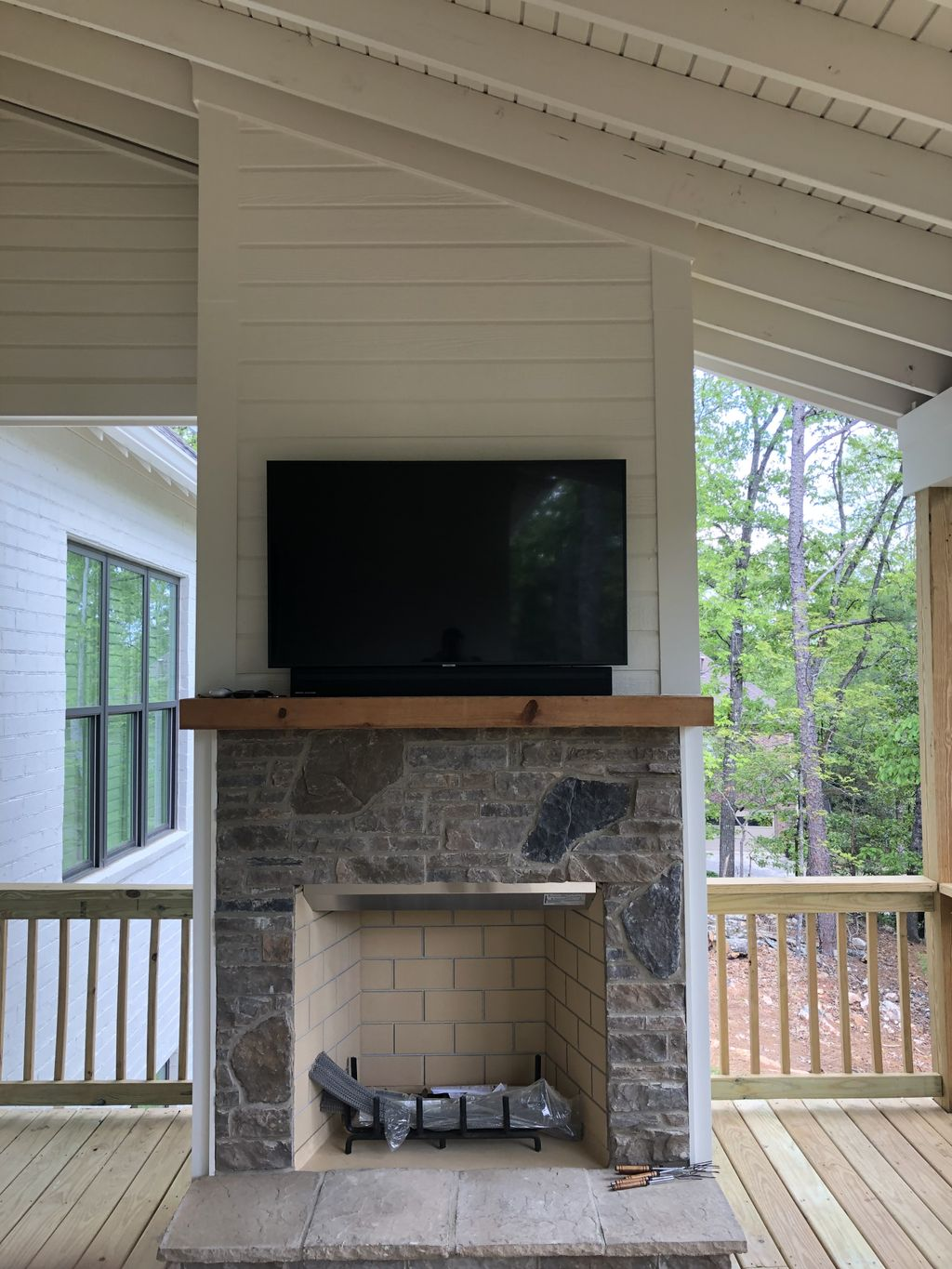 Outdoor Fireplace TV Soundbar Mount