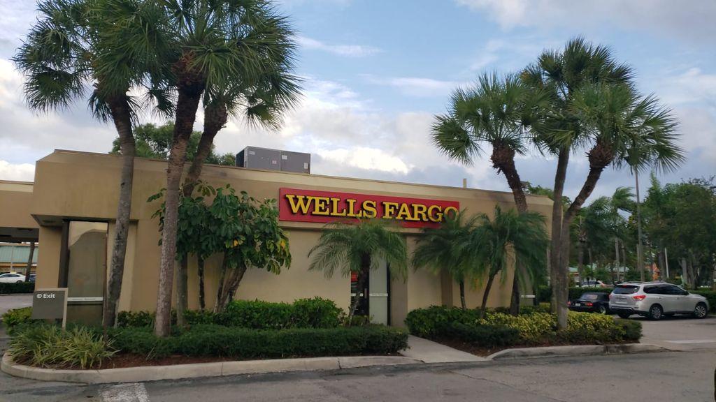 Wells Fargo Bank Tree Trimming