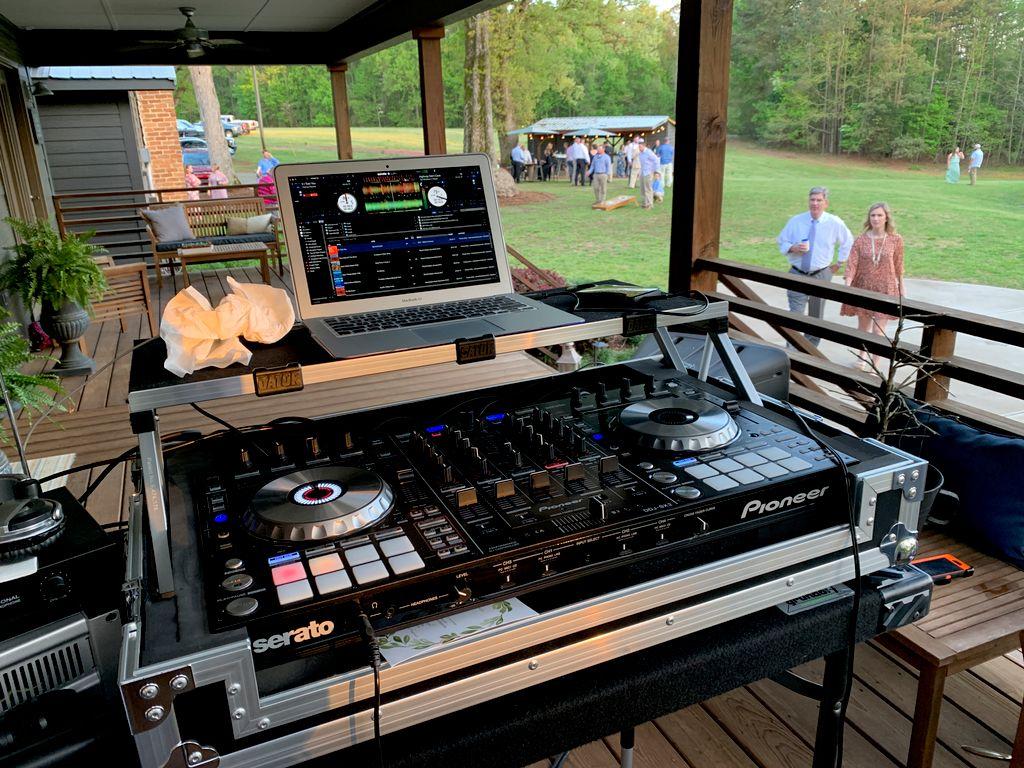 Sugarneck Outdoor Venue Wedding Reception
