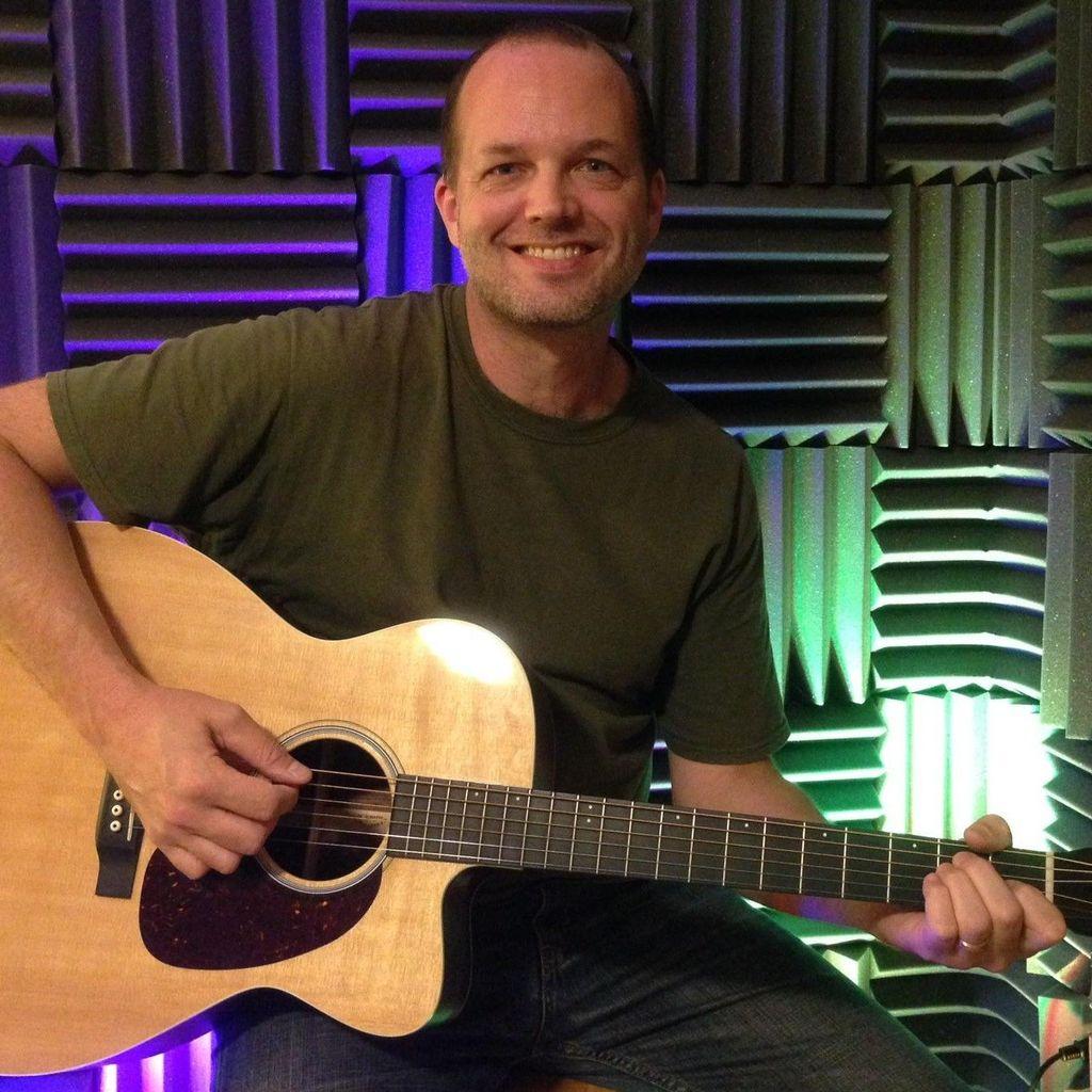Derrick Campbell,  Guitar Teacher