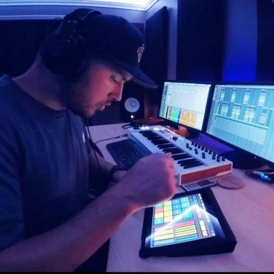 Avatar for 🎹TUNES RECORDING STUDIO🎛️