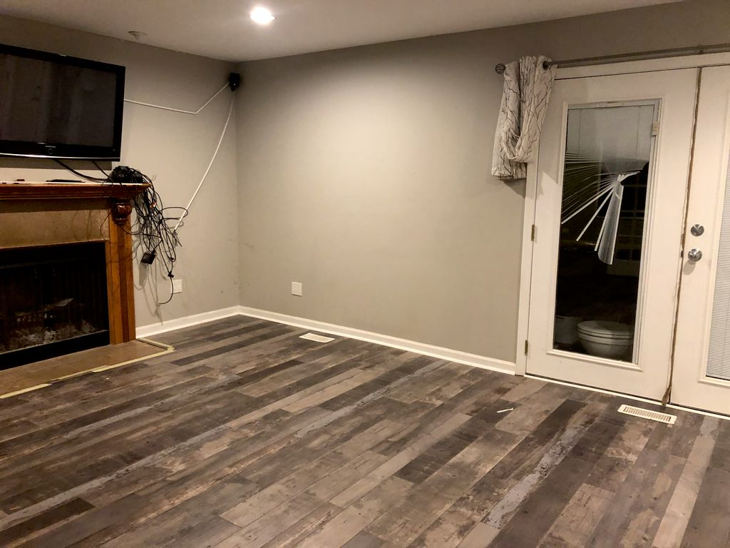 Floor Installation or Replacement - Grayslake 2019